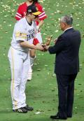内川が初MVP「成長したかな」 - プロ野球ニュース