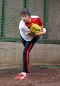 広島中崎 守護神襲名へ磨く必殺球 - プロ野球ニュース