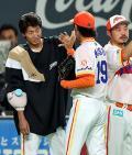日本ハム浦野、大量援護で立ち直り6勝目 - プロ野球ニュース