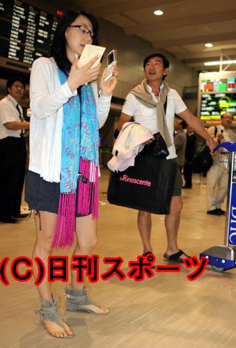 【芸能】石田純一と東尾理子夫妻が新婚旅行から帰国・・・子作りは「頑張った」と報告1