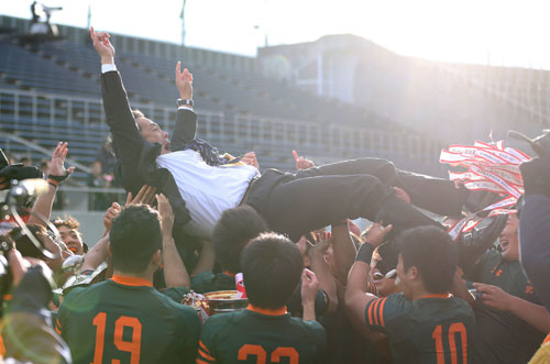 東福岡52点差Vで史上初3冠!藤田監督涙