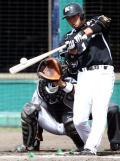 【ロッテ】清田1号「練習でもできない」 - 野球ニュース