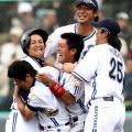 気分はもう公式戦、横浜開幕連勝 - 野球ニュース