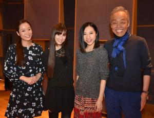 「アルシラの星」をコラボして歌う、左からKalafinaのWakana、Keiko、Hikaru、谷村新司