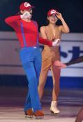 真央がマリオに!?赤い帽子でエキシビ出演 - 世界フィギュア2014